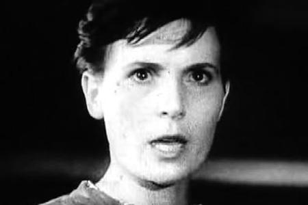 Кадр из фильма «Зоя», 1944 г.